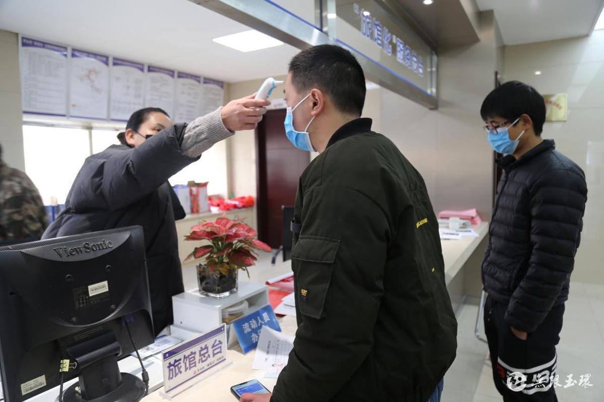 芦浦:一站式服务 温暖复工人员返程路 图片2
