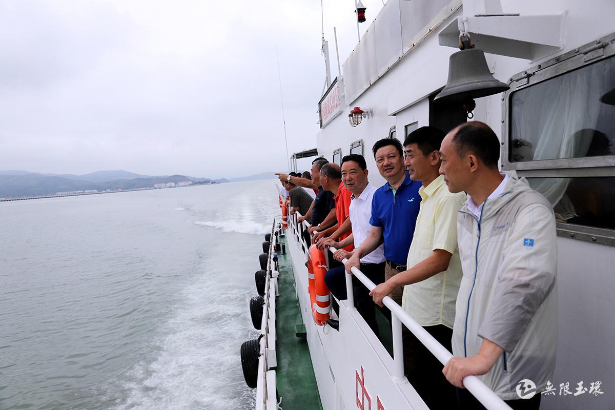 坎门:人大代表实地督查渔业安全生产及渔船避风情况