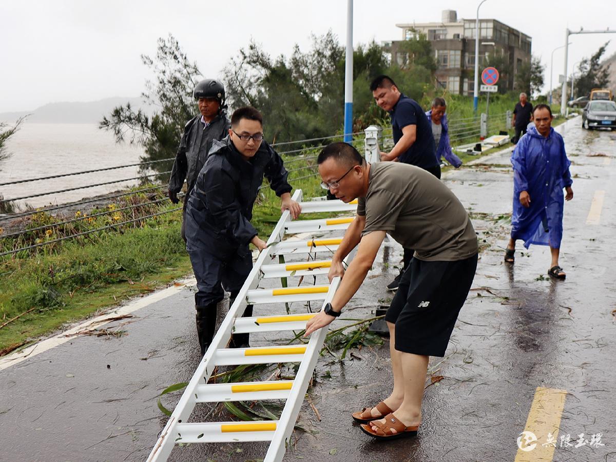 大麦屿:不等不靠全力开展灾后自救