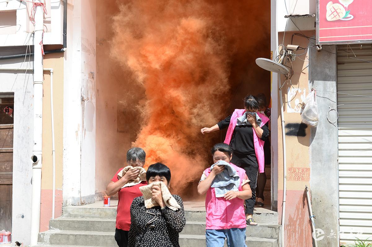 筑起消防安全墙  玉城街道开展消防全民大行动
